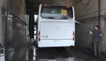 Economie d'eau lors du lavage d'autocars Global Bus