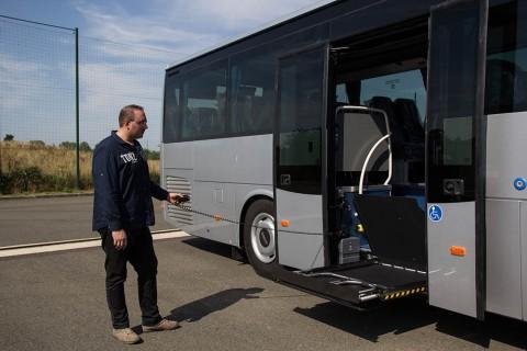 Mise en main et livraison d'un autocar après réparation dans les ateliers Global Bus